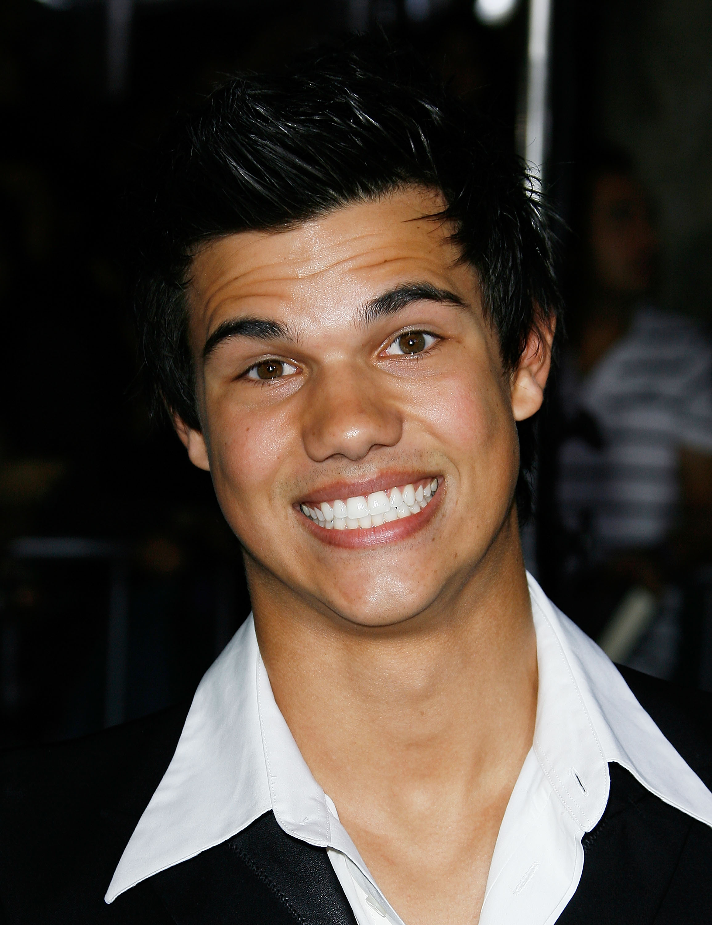Taylor Lautner as Stre...
